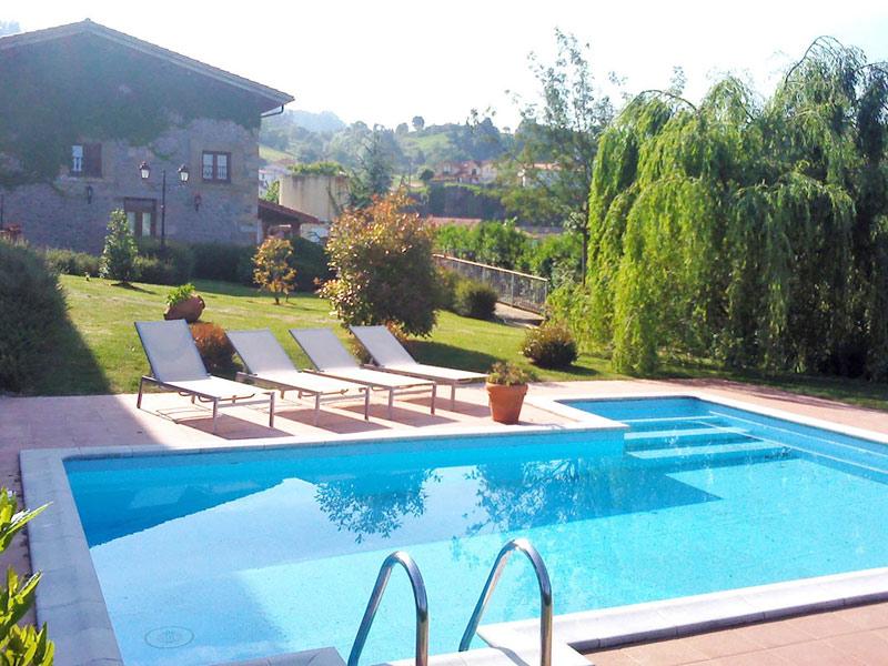 Servicios del hotel palacio garcia quijano for Jardines con piscinas desmontables