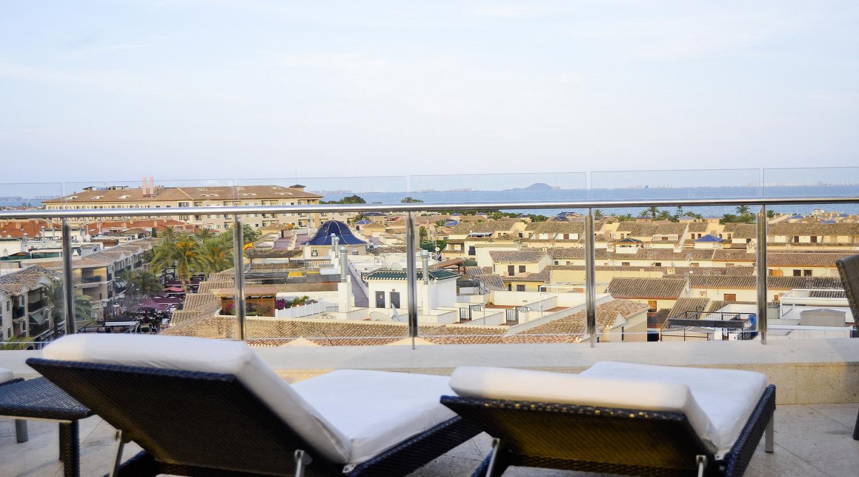 Hotel 525 en los alc zares web oficial for Piscina los alcazares