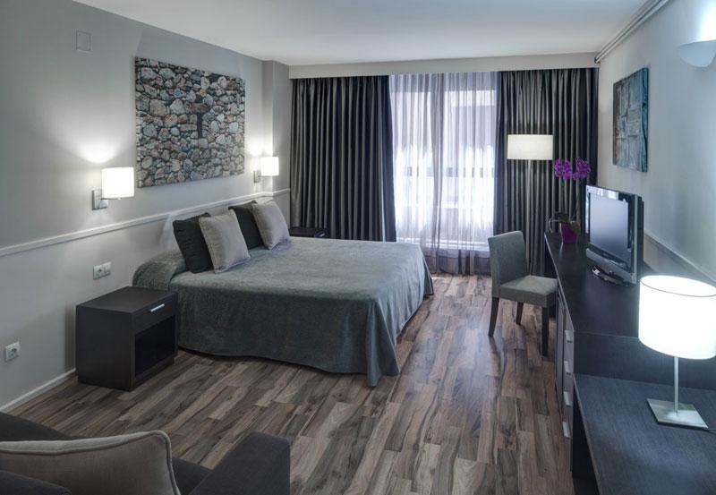 Habitaciones hotel exe prisma for Habitaciones conectadas hotel