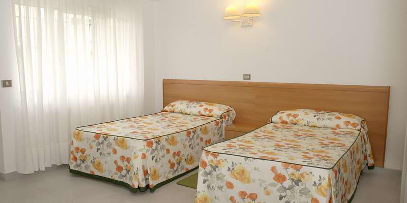 Apartamentos Las Sirenas 2*