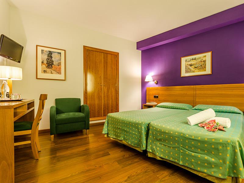 Habitación doble + una cama