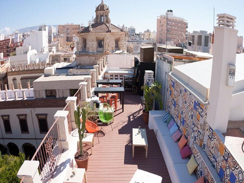 Baños Arabes Plaza Vieja Almeria:Plaza Vieja Hotel & Lounge
