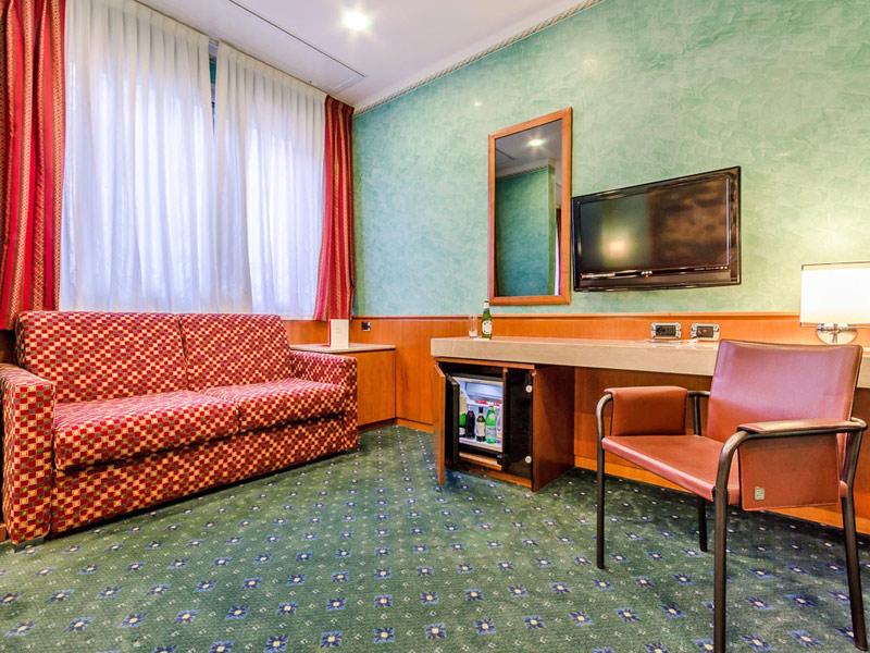 Chambres de l h tel brunelleschi milano - Lits jumeaux adultes ...