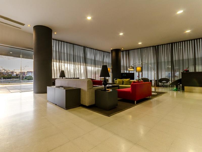 hotel mairena: