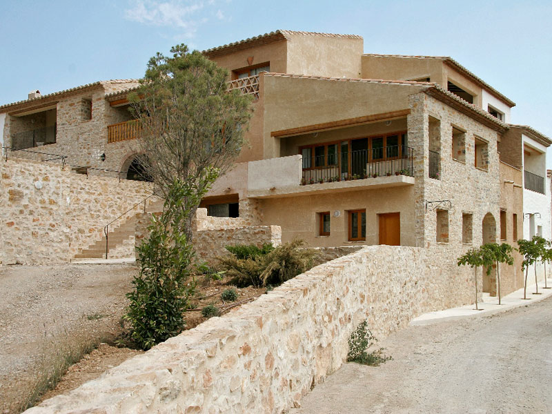 Resultado de imagen de hotel aldea roqueta