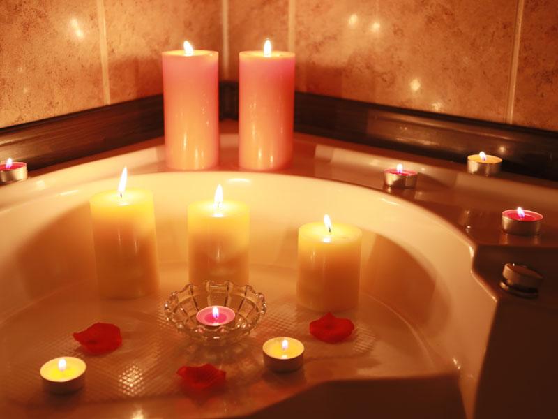 DRAGOSTE SI ROMANTISM LA SUPERLATIV... (deluxe suite)
