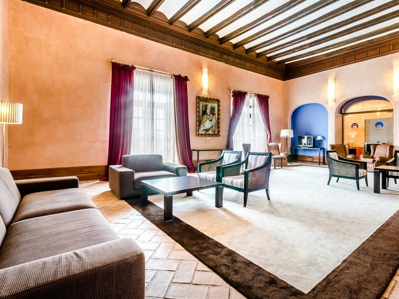 Hospedería Castillo del Papa Luna