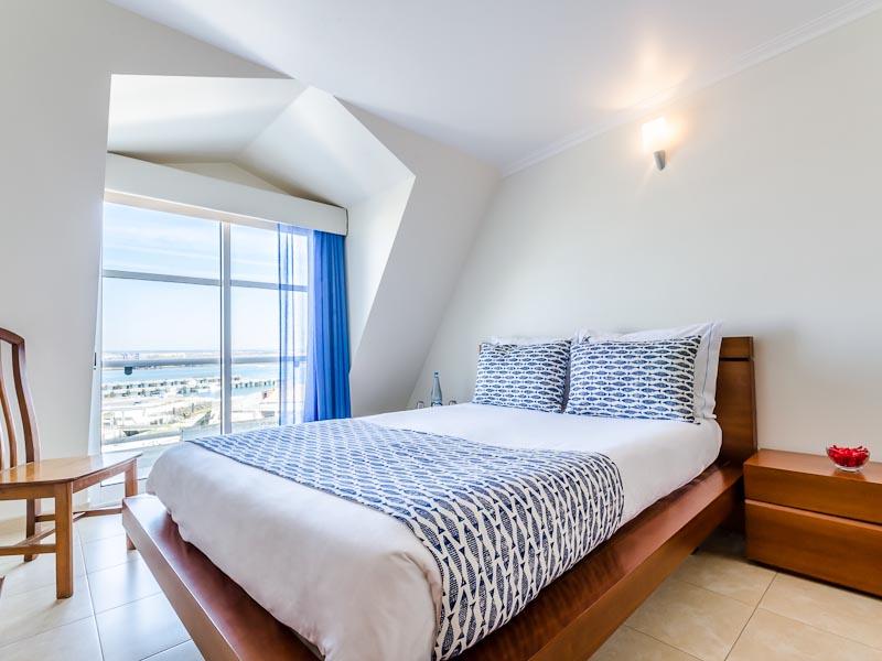 Apartamento com 2 quartos (6 pessoas)
