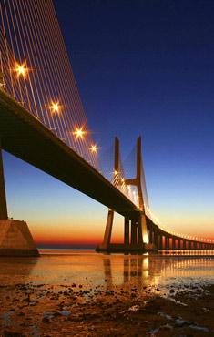 Discover<br/> Lisbon