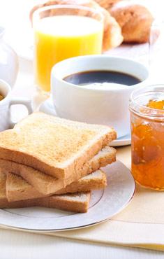 Variado desayuno