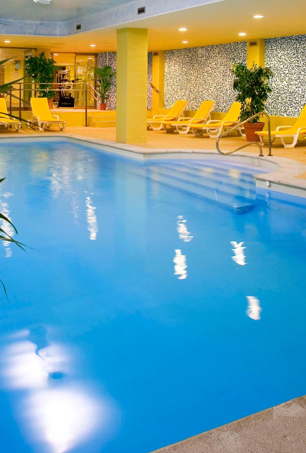 Tauchen Sie ein in unseren Pool
